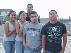 Image of the five Villanueva chlidren who are recieving high school and college degrees