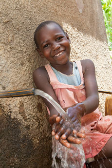 Kenya girls washing hands